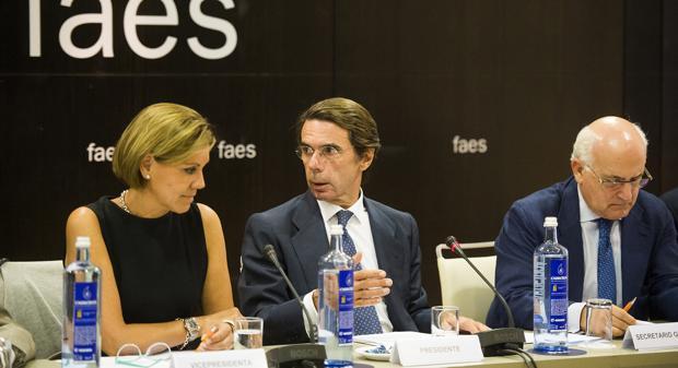 María Dolores de Cospedal, José María Aznar y Javier Zarzalejos