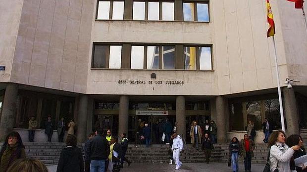 Los miembros de la anterior directiva del Colegio están citados el jueves ante los juzgados de Plaza de Castilla