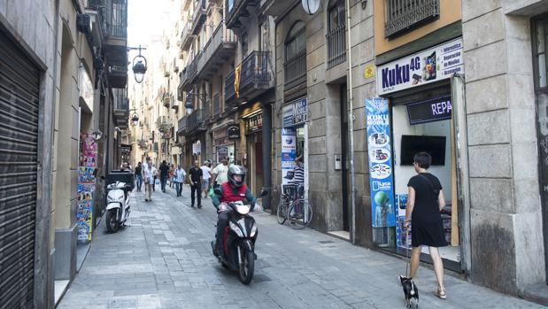 Un vista de la calle Sant Pau, en el barrio del Raval de Barcelona