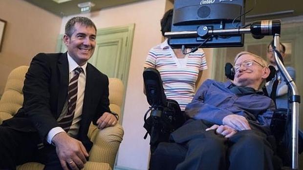 Clavijo, presidente canario, y Stephen Hawking