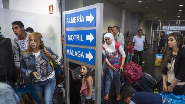 Refugiados sirios en el puerto de Melilla en junio de 2015