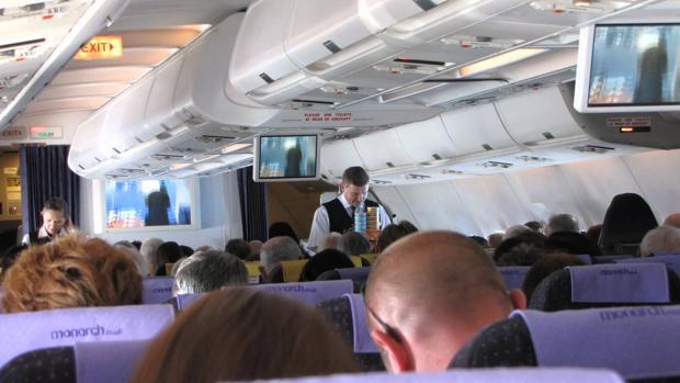 Vuelo de Monarch Airlines rumbo Tenerife Sur