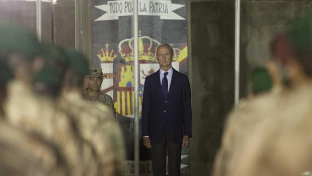 Morenés visita a las tropas españolas en Irak