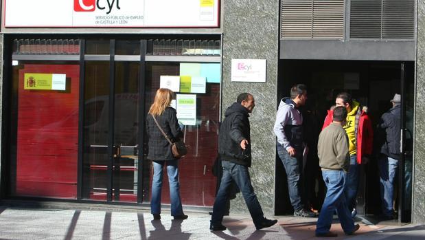 Paro - Castilla y León:  El fin de la temporada de verano eleva el desempleo en 1.423 personas en Castilla y León