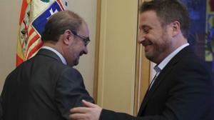El plan de Podemos para amedrentar a los «barones» del PSOE se estrella en Aragón