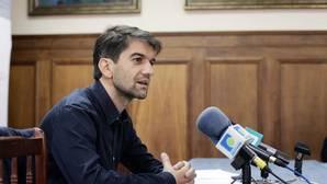 Suárez pide el regreso del PSOE días después de romper el pacto
