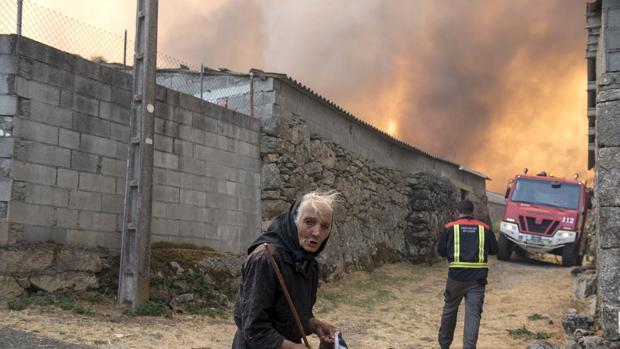 Una vecina del Xurés, en plena ola de incendios