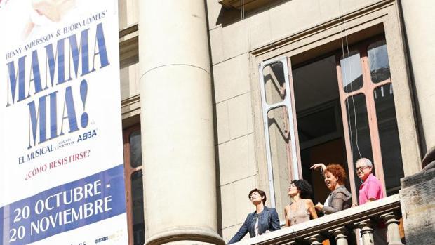 Las protagonistas de «Mamma mia!» en el Teatro Principal de Valencia