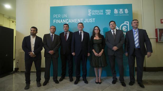 Imagen de la delegación encabezada por Puig y Oltra tomada este miércoles en el Círculo de Bellas Arts de Madrid