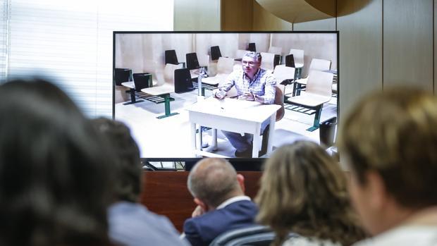 Francisco Granados, durante su comparecencia por videoconferencia desde la cárcel el pasado junio
