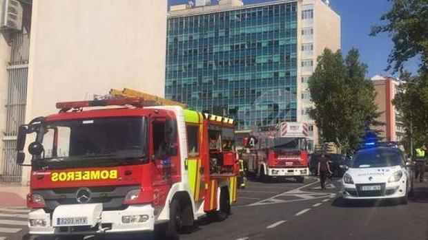 El Hospital de Salamanca recupera la normalidad tras ser desalojado por humo