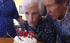 Micaela López en su 105 cumpleaños