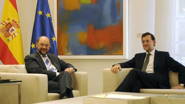 Martin Schultz y Mariano Rajoy, durante la reunión que mantuvieron en 2012 en La Moncloa