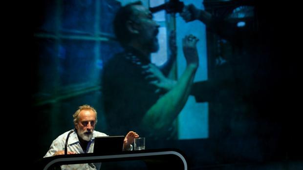 El actor Gonzalo de Castro interpreta 'Idiota' en El Pavón Teatro Kamikaze