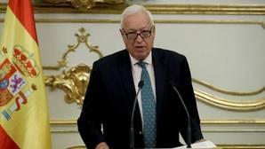 Margallo responde a Picardo: «La mano no, pondré la bandera, y mucho antes de lo que él cree»