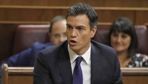 Desde multas hasta la expulsión: así castiga el PSOE romper la disciplina de voto