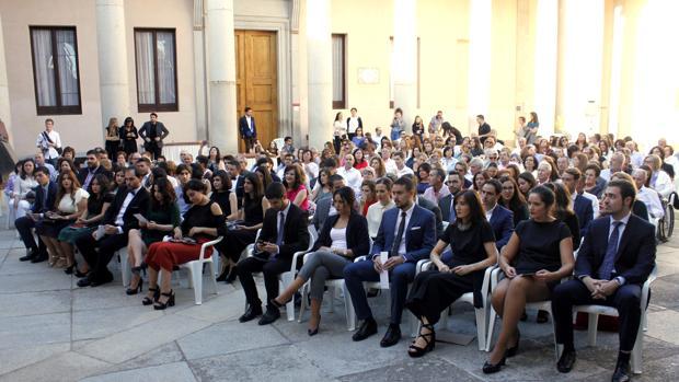 La primera promoción de arquitectos de la Universidad regional celebra su graduación