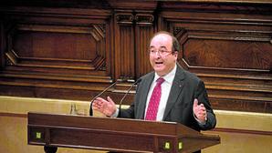 El PSC propone que Cataluña sea reconocida como nación en medio del desafío secesionista