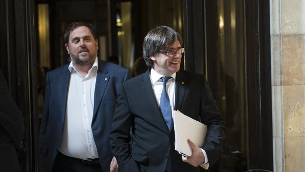Oriol Junqueras y Carles Puigdemont, el pasado miércoles en el Parlamento catalán