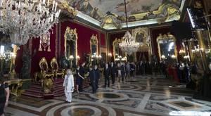 La «gente» que va a la recepción de los Reyes y a la que Pablo Iglesias llama «antipatriotas»
