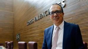 Enrique Soriano pasa este lunes el trámite para pilotar la reapertura de la televisión valenciana