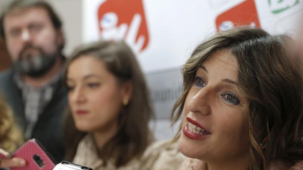La coordinadora de Esquerda Unida, Yolanda Díaz, en una reunión de la coalición