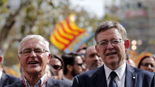 Imagen de Ribó y Puig tomada durante la procesión cívica