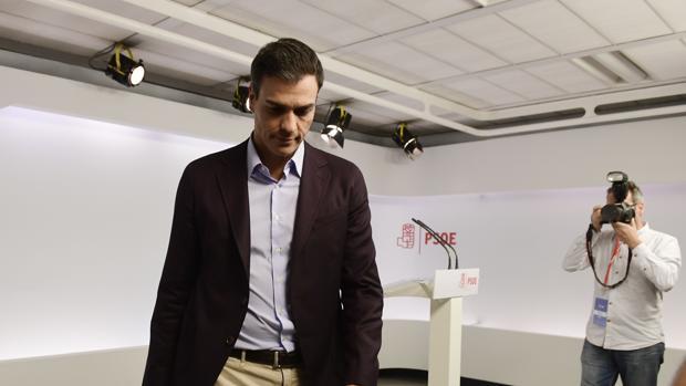 Pedro Sánchez tras su dimisión