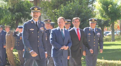 El Rey, con Emiliano García-Page, duarante su visita a los Llanos