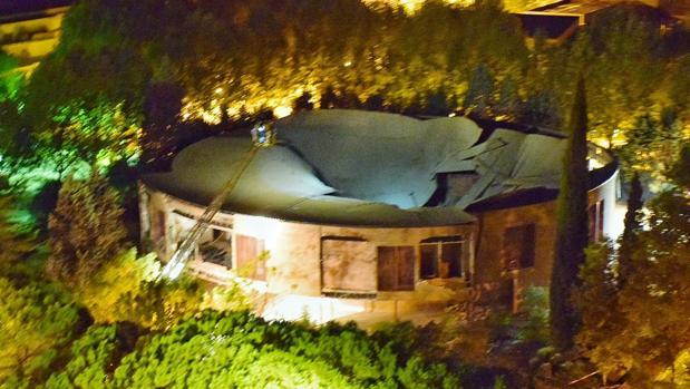 El incidente ha tenido lugar poco antes de las cuatro de la madrugada y la zona se encuentra acordonada.