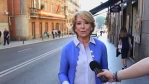 Aguirre anima a los madrileños a «no hacer cosas raras» y sacar la bandera de España