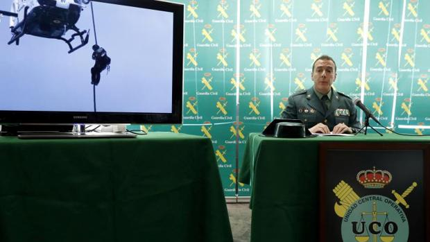 El teniente coronel Javier Rogero, jefe del grupo de la UCO en esta operación