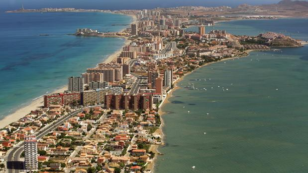 Vista aérea de La Manga del Mar Menor (Murcia)