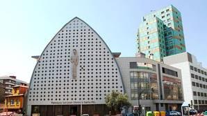 El sacerdote que sufrió una paliza en Vigo sale del coma inducido tras 18 días