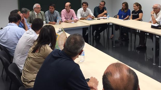 Varios municipios del Vinalopó exigirán en las Cortes Valencianas más atención del Consell