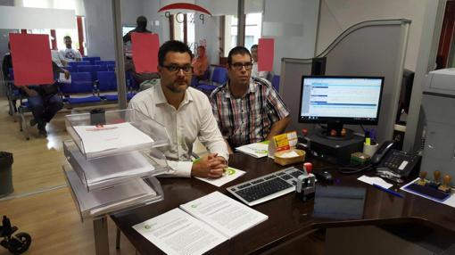 Entrega de las últimas 782 firmas en el Registro Municipal, reclamando la rebaja del IBI