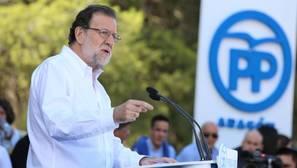Rajoy considera al PNV «clave» para su Gobierno en minoría