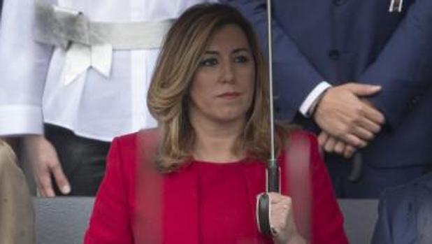 Susana Díaz, en el palco de autoridades del Desfile del Día de la Fiesta Nacioanal