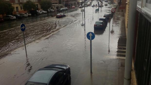 Una tromba de agua inunda algunas calles de Toro (Zamora)