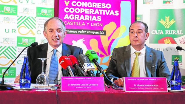 El gerente de Urcacyl y el presidente de las Cajas Rurales de Castilla y León, ayer en León