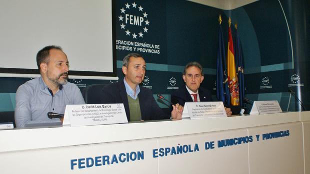 César Sánchez, inaguurando el evento nacional de la federación FEMP