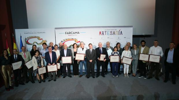 García-Page con los galardonados