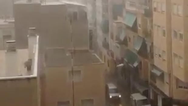 Lluvia en la ciudad de Alicante este jueves