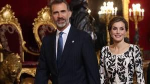 ¿Quiénes fueron invitados a la recepción en el Palacio Real?