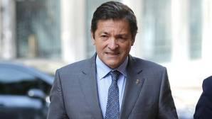 Javier Fernández mantiene el perfil bajo del PSOE con los casos de corrupción que afectan al PP