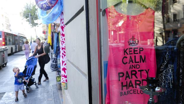 De momento no se podrán abrir más comercios de 'souvenirs'