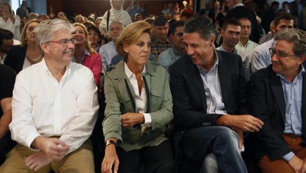 La secretaria general del PP, María Dolores de Cospedal, junto al coordinador general del PPC, Xavier García Albiol