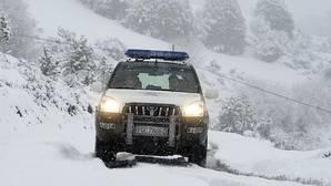 Uno de los Guardias Civiles agredidos socorrió a los expresos de ETA que quedaron atrapados en la nieve