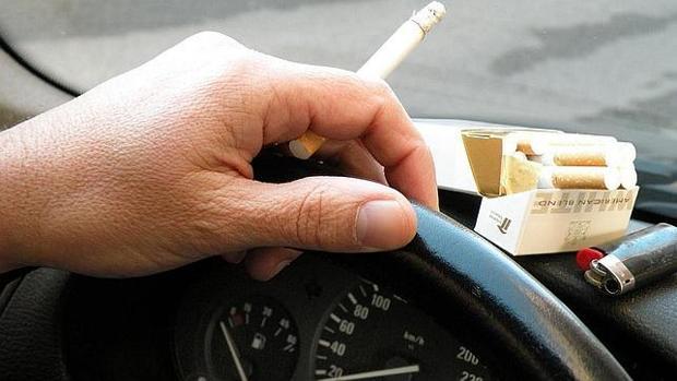 La ley busca proteger a los fumadores pasivos