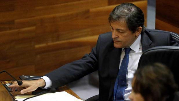 Javier Fernández, este viernes en el Parlamento de Asturias